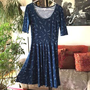 LULAROE sz M Printed Stretch Jersey Nicole Dress